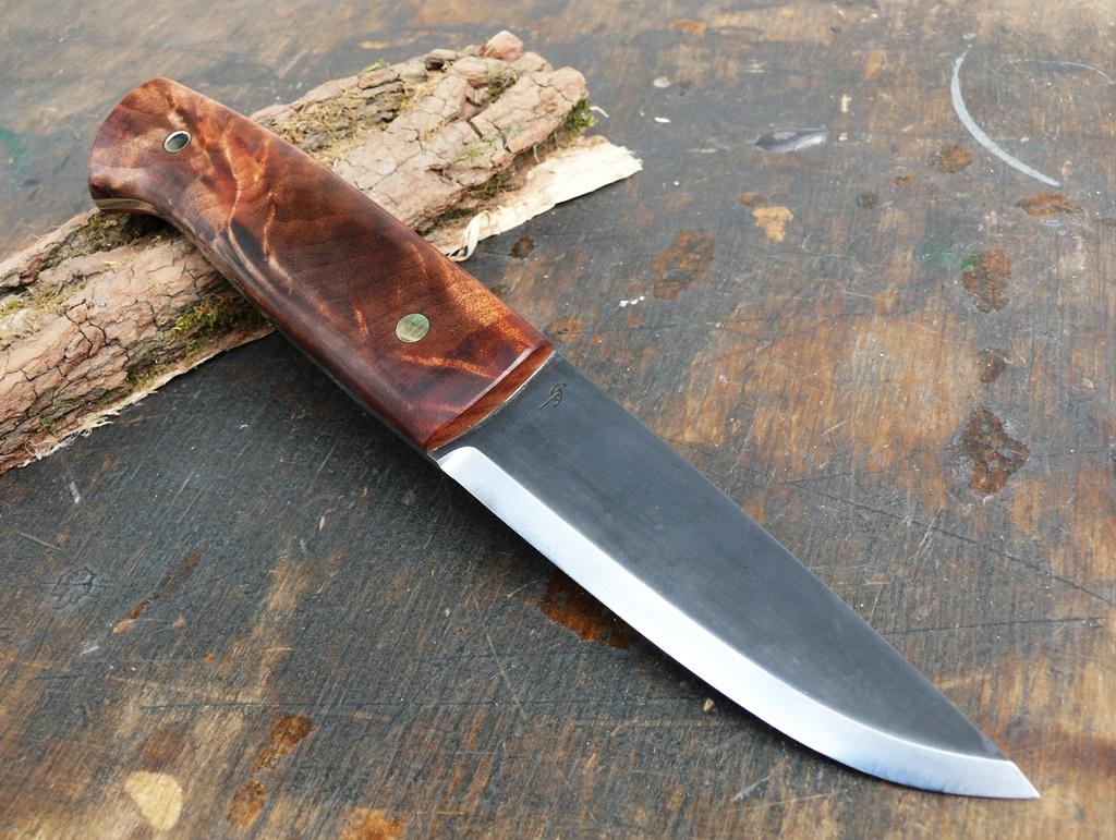 Auróra bushcraft kés 2