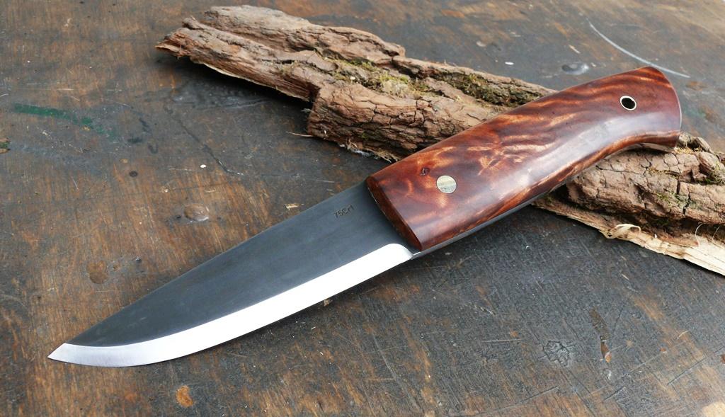 Auróra bushcraft kés 1