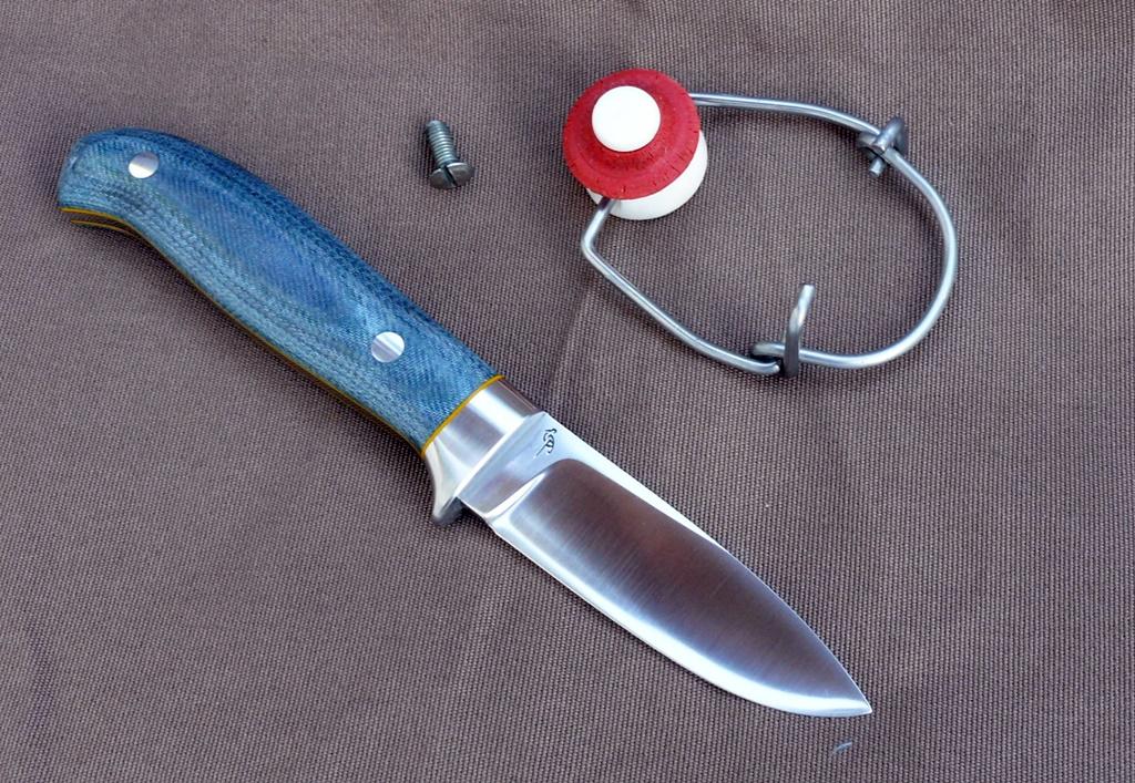 LegalLoveless kés 10