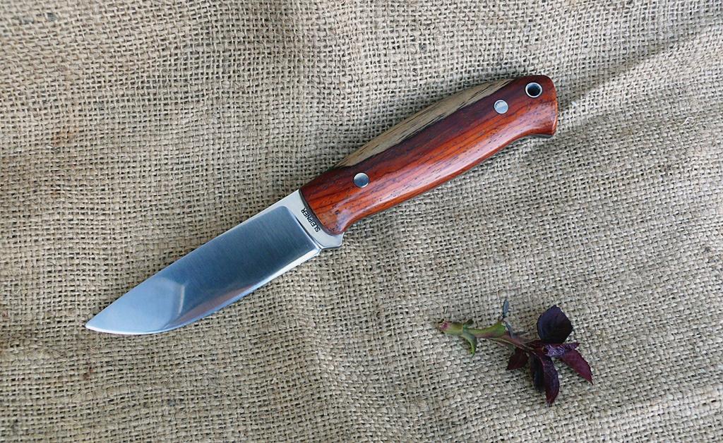 Zengő bushcraft kés 4