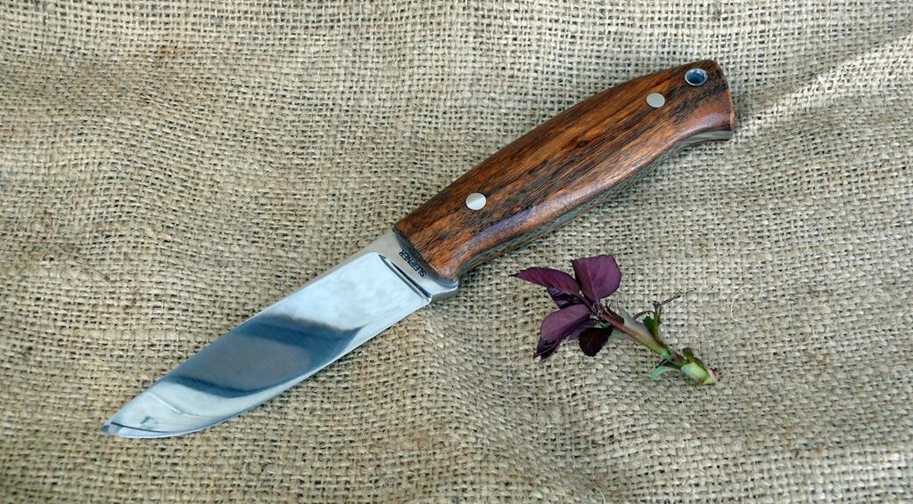 Zengő bushcraft kés 5