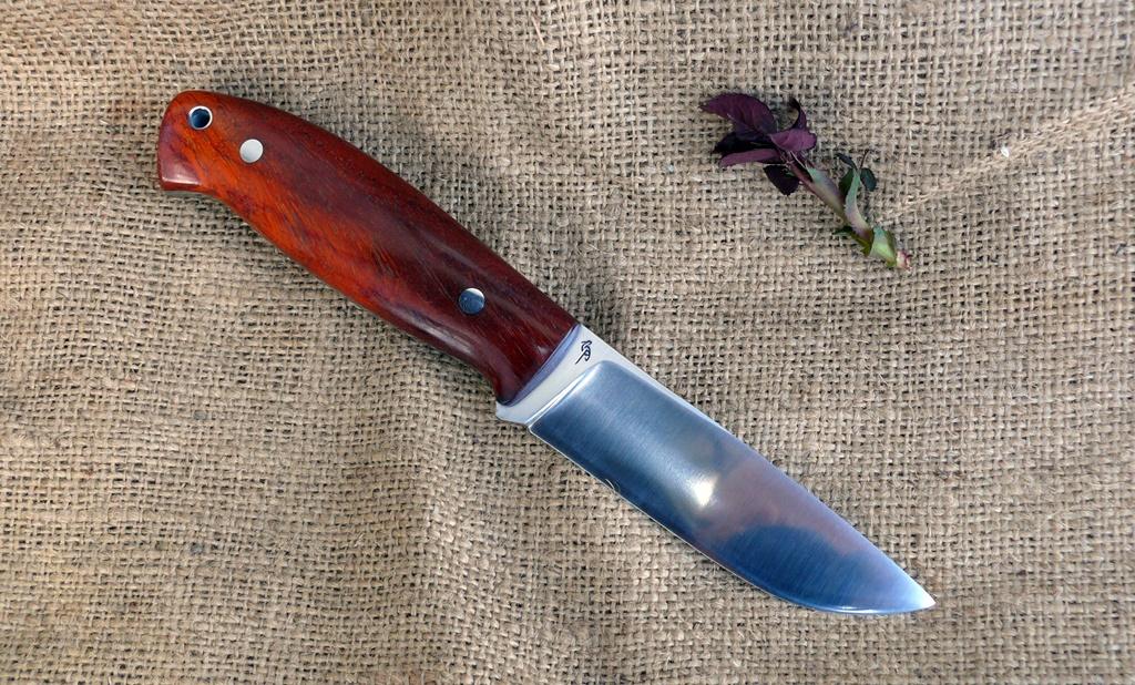 Zengő bushcraft kés 6